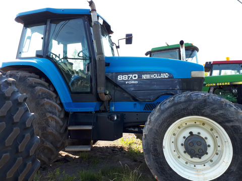 Tracteur New Holland 8870